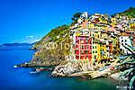 Riomaggiore falu, sziklák és a tenger napnyugtakor. Cinque Terre (id: 4300) tapéta