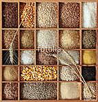 Gabonafélék fából készült dobozban (id: 10702)
