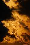 Tűzfelhők (id: 18411) falikép keretezve