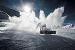 Snowboard-os hófelhőt kavar (id: 16922) vászonkép