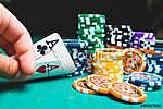 Póker zsetonok és kártyák (id: 6045) többrészes vászonkép