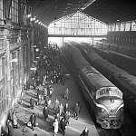 FORTEPAN: Nyugati pályaudvar csarnoka és egy NOHAB mozdony (1966) (id: 22450) többrészes vászonkép