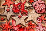 Karácsonyi díszek fából készült csillagok és piros szalagok (id: 7155) többrészes vászonkép