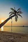 Tengerparti hinta naplementében - Maldív szigetek (id: 17859) poszter