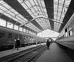 Ha elindul a vonat.... Nyugati pályaudvar (1976) (id: 22463) bögre