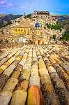 A tetők függőleges kilátása és a szicíliai Ragusa-i gyönyörű fal (id: 5068) falikép keretezve