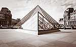 Louvre piramis, Párizs (id: 17369) többrészes vászonkép