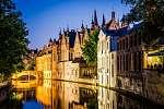 Vízvezeték és középkori házak éjszaka Brugesben (id: 5069) falikép keretezve