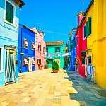 Velencei határ, Burano sziget utca, színes házak, Olaszország (id: 5170) többrészes vászonkép