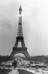 Az Eiffel-torony 1930-ban (id: 20276) poszter