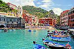 Színes kikötő a Vernazza-ban, Cinque Terre, Olaszország (id: 4276) tapéta