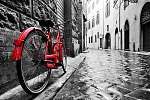 Retro vintage vörös kerékpár macskaköves utcán (id: 12783) vászonkép óra