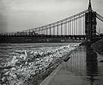 Az épülő Erzsébet híd pesti hídfője a zajló Dunával (1903) (id: 20184) vászonkép