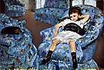 Mary Cassatt: Kislány kék fotelben (id: 1890) tapéta