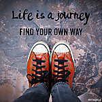 Lotz Károly: Az élet egy út, megtalálja a maga módján, idézet (id: 6991) vászonkép
