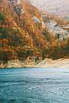 Őszi tópart (id: 17796) falikép keretezve