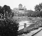 Esztergom Kis-Duna, háttérben a Bazilika (1938) (id: 20596) többrészes vászonkép