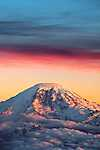 Havas hegycsúcs a naplemente fényeiben (id: 18298)