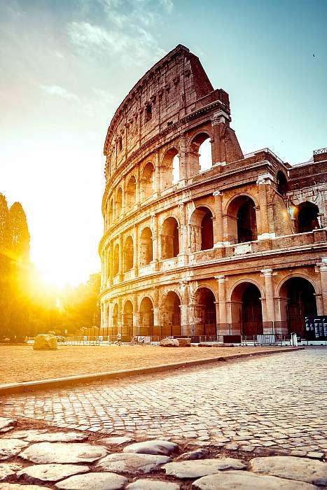 A római kolosszeum naplementében,