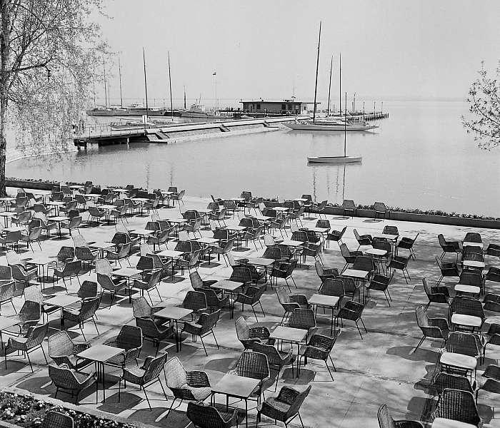 Balatonfüred, Vitorlás étterem terasza (1969), FORTEPAN