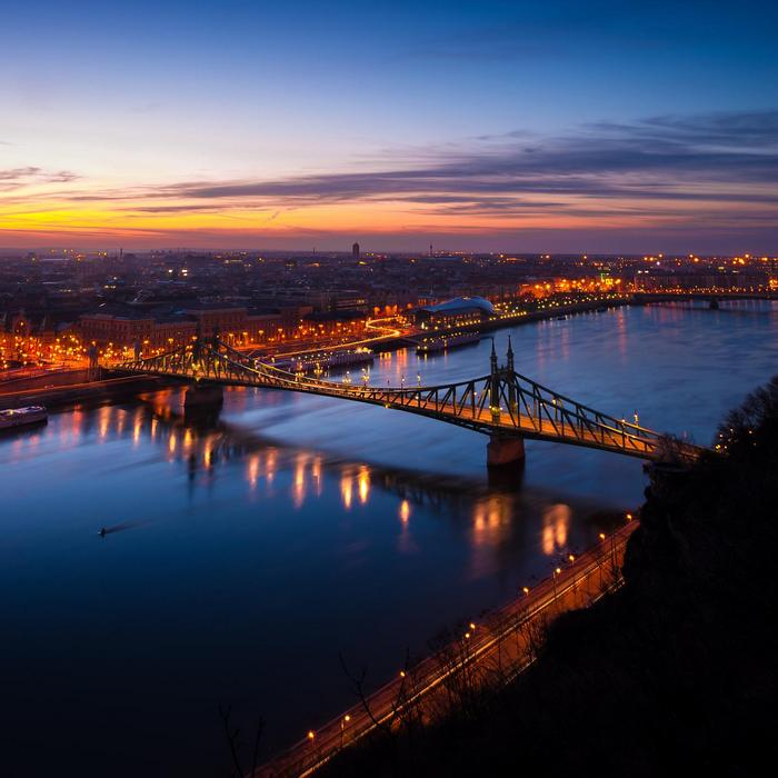 Budapest fényei, Szabadság-híd, Splash Photo