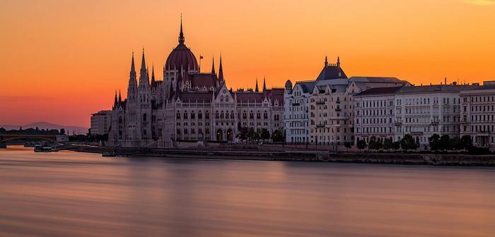 A Parlament naplementében, Splash Photo