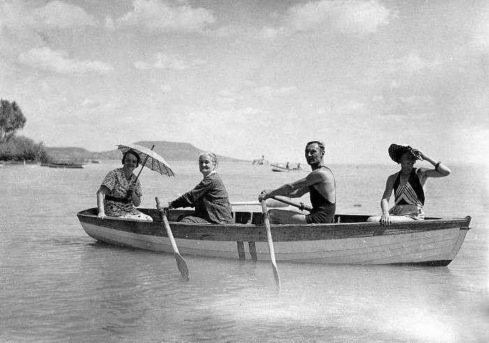 Csónakázás a Balatonon (1931), FORTEPAN