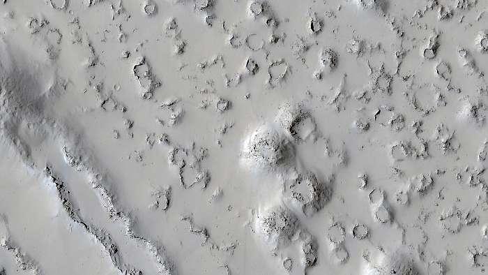 Kúp alakú vulkán formációk, Mars felszín, Fotóművészek