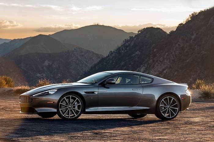 2019 Aston Martin DBS,