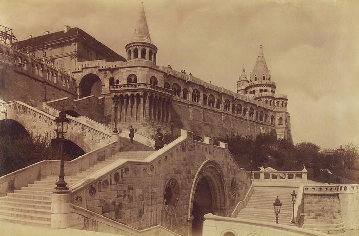 Schulek lépcső, balra fent az egykori Jezsuita Akadémia (1903), FORTEPAN