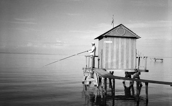 Horgászház a Balatonban (1936), FORTEPAN