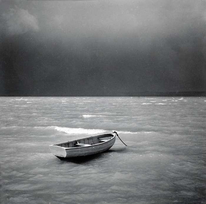 Magányos csónak a viharban, FORTEPAN