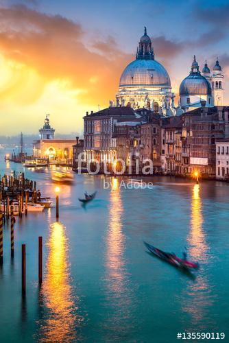 Napnyugta a Velencei Nagycsatornán, Olaszországban, Premium Kollekció