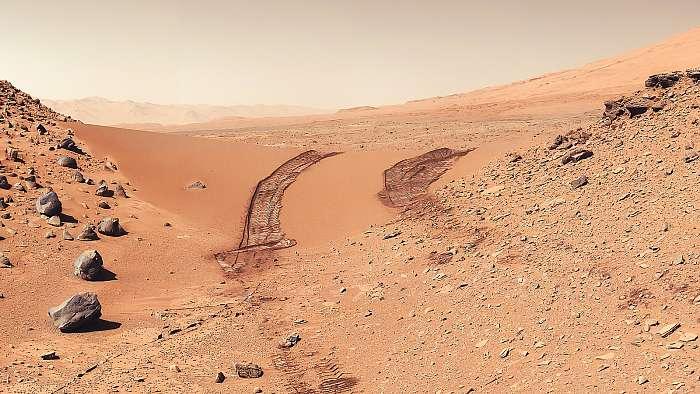 A Curiosity látképe, miután átvágott a marsi dűnéken, Mars felszín, Fotóművészek