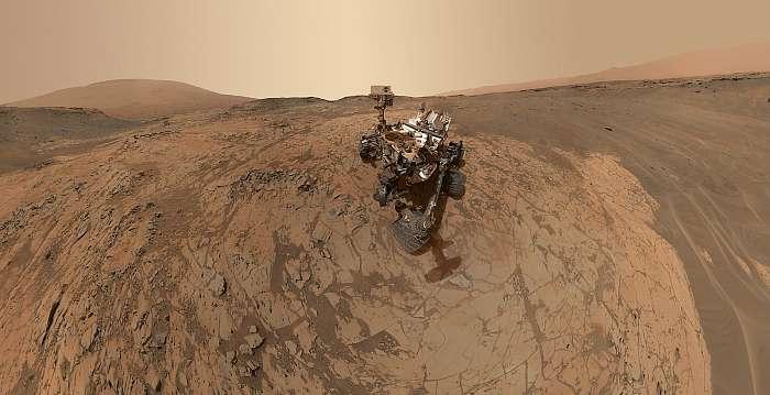 Curiosity 360 fotó projekció a Marson, Fotóművészek
