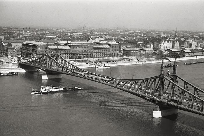 A Szabadság (Ferenc József) híd a Gellérthegyről nézve (1939), FORTEPAN