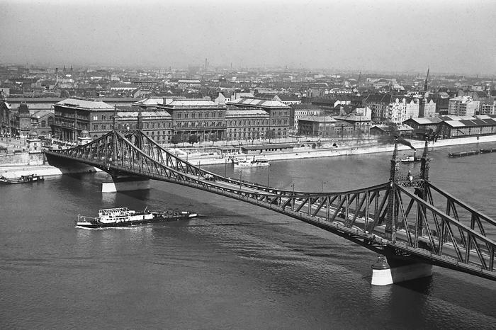 A Szabadság (Ferenc József) híd a Gellérthegyről nézve (1939) - színverzió 1, FORTEPAN