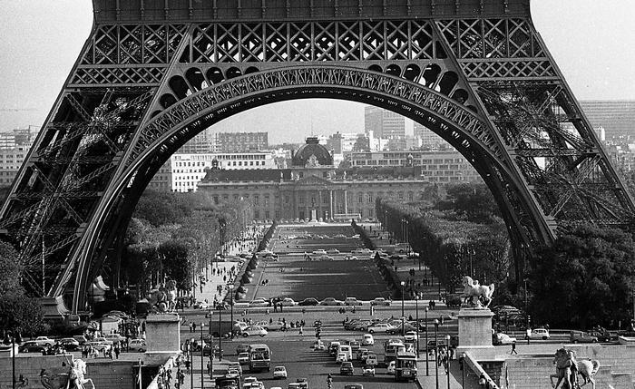 az Eiffel-torony és a Mars-mező a Jéna híd felöl nézve (1971), FORTEPAN